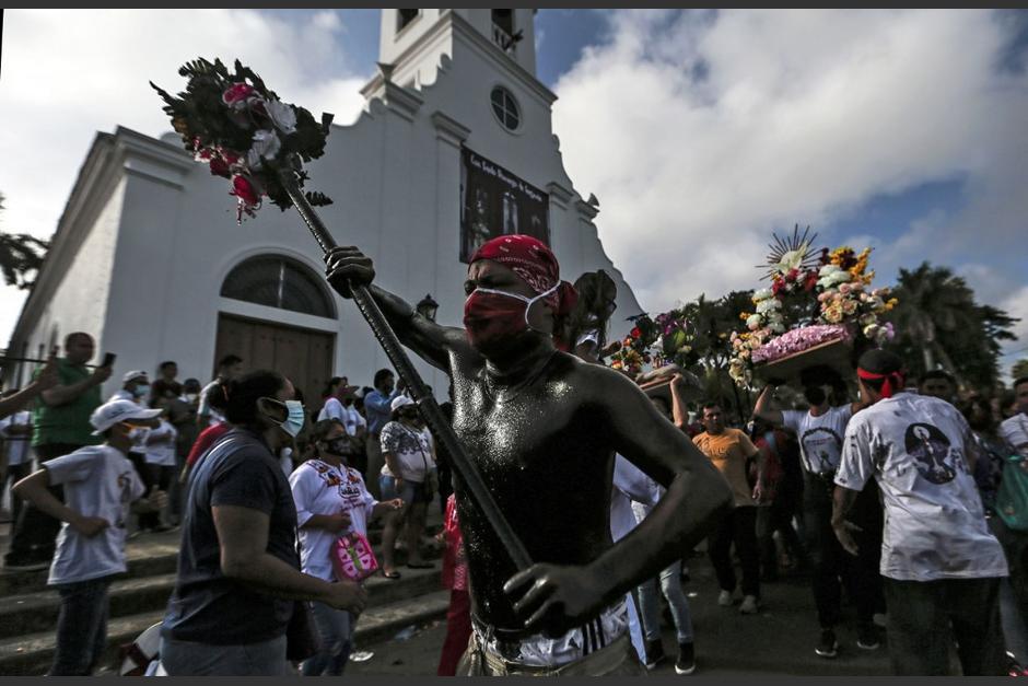 Los feligreses asistieron para participar en la tradicional feria en honor a Santo Domingo de Guzmán. (Foto: AFP)