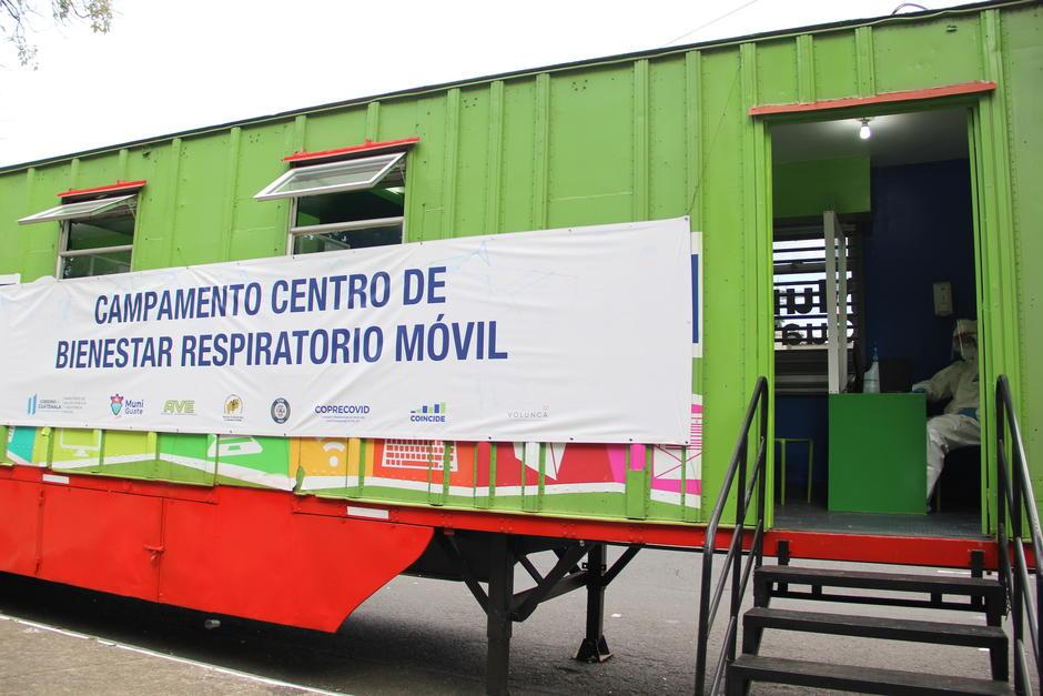 Un furgón fue adaptado para la atención de los pacientes que llegarán a partir de este lunes a la zona 5. (Foto: Fredy Hernández/Soy502)