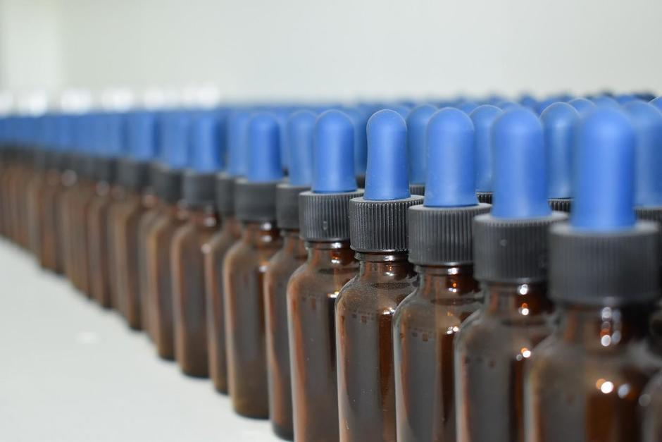 Salud alerta por consumo de dióxido de cloro contra el Covid-19