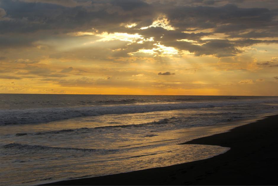 Las playas siguen cerradas para los bañistas. (Foto: archivo/Soy502)