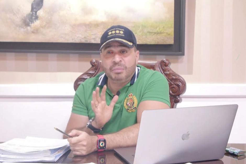 El alcalde de Mixco, Neto Bran, intentó explicar su relación con la persona por la cual pidieron el retiro de su inmunidad. (Foto: captura video)