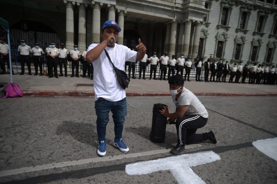 """El hombre se hace llamar """"Serio"""". (Foto: Wilder López/Soy502)"""