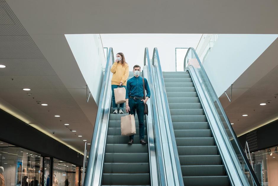 El Ministerio de Salud ha sancionado a cinco centros comerciales en los últimos días por incumplir protocolos. (Foto: Shutterstock)