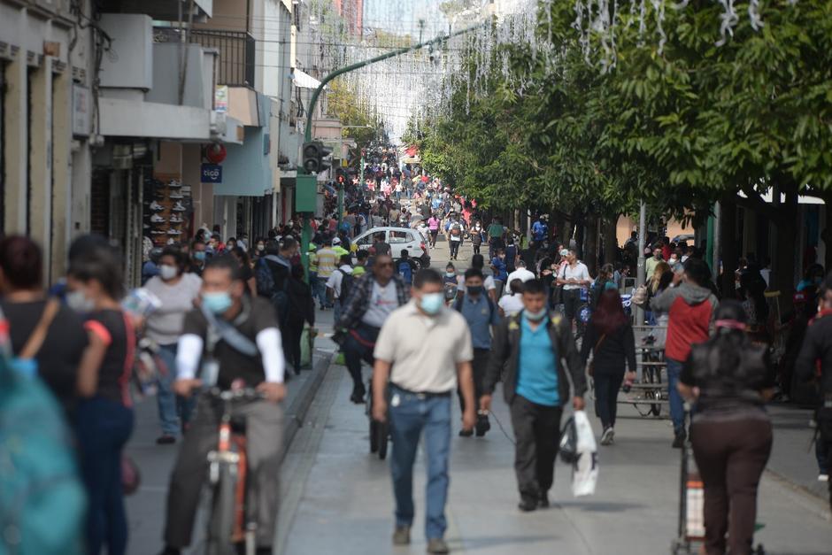 Asturias también pidió que la población siga usando la mascarilla. (Foto: Wilder López/Soy502)