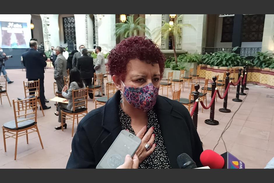La ministra de Salud, Amelia Flores, acudió a la actividad para conmemorar el aniversario de la Firma de la Paz. (Foto: Wilder López/Soy502)