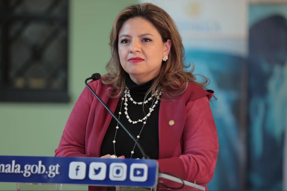 """La ministra de Relaciones Exteriores, Sandra Jovel, calificó de """"vida privada"""" el zafarrancho que protagonizó el diplomático Arturo Jutzuy Hernández en España. (Foto: AGN)"""