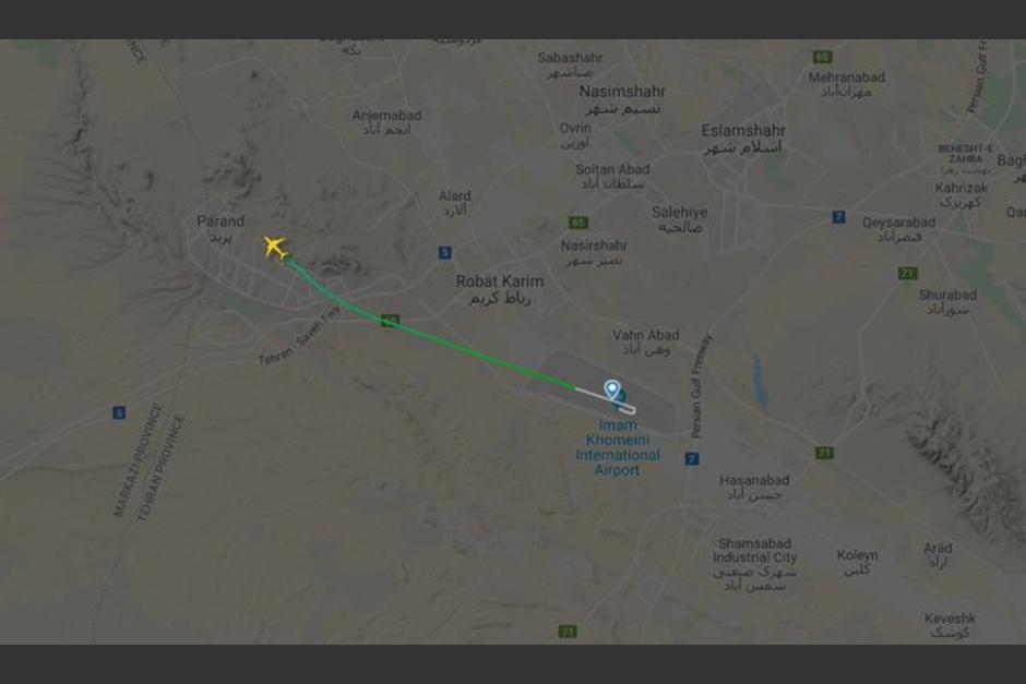 Según los reportes, el avión habría caído por fallas técnicas y no está relacionado con el ataque. (Foto: RT)