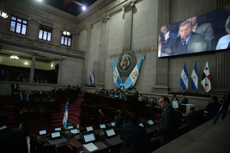 Durante la presentación del informe se reprodujo un video con testimonios de quienes dicen ser agraviados por la CICIG. (Foto: Wilder López/Soy502)