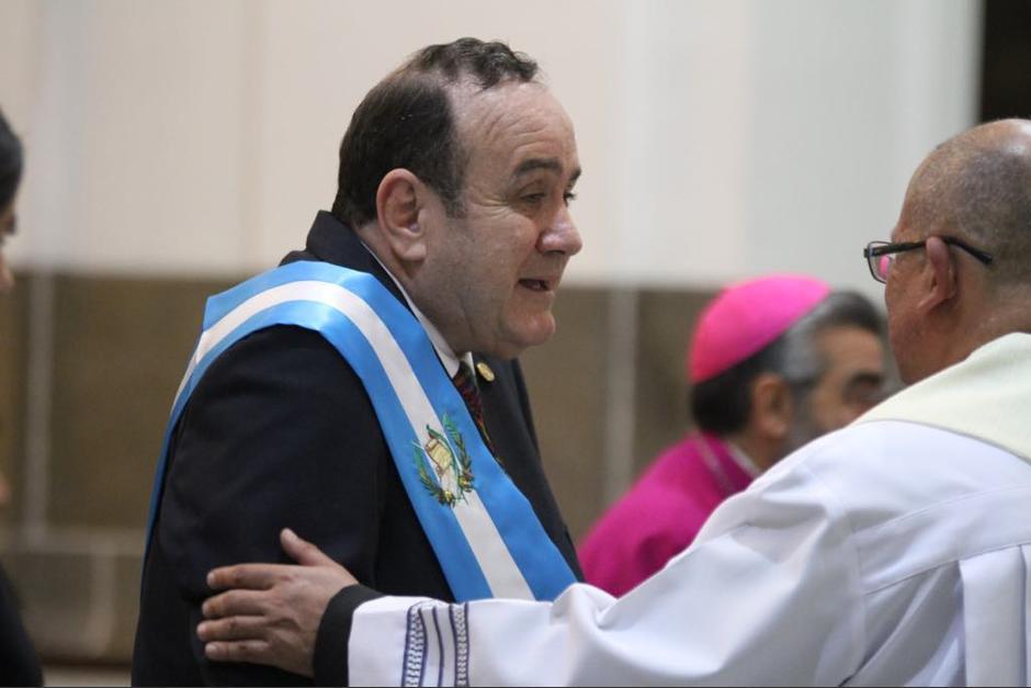 El presidente Alejandro Giammattei participa en el Te Deum en Catedral Metropolitana. (Foto: Luis Barrios/Soy502)