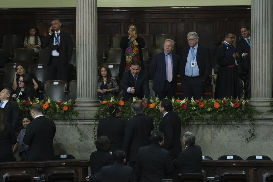 Portillo saludó a varios de los legisladores desde el palco diplomático del Congreso. (Foto: Luis Sajché/Soy502)
