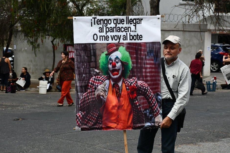 Ahora que deja de ser presidente, Jimmy Morales busca blindarse con inmunidad por su cargo en el Parlacen (Foto: Twitter @festivalesgt)