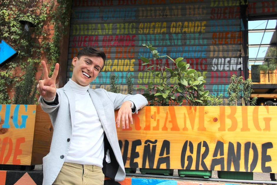 Peter Véliz quiere que tú vivas la vida con alegría. (Foto: Fredy Hernández/Soy502)
