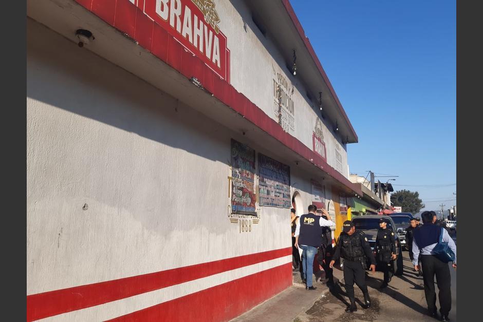 Varios bares son allanados en Chimaltenango por casos de trata de personas. (Foto: MP)