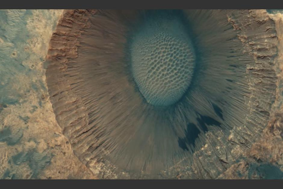 Podrían ser resultado de un choque con asteroides (Foto captura de Video © Seán Doran / Data by HiRISE  NASA / JPL / University of Arizona)