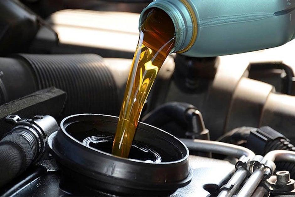 La recomendación es llevar el vehículo con tu mecánico de confianza para cambiar el líquido de frenos (híbridos y eléctricos)