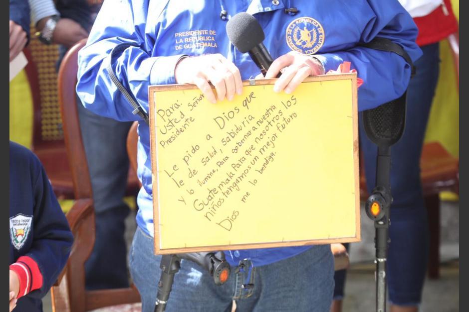 El menor le hizo una petición especial al gobernante. (Foto: SCSPR)