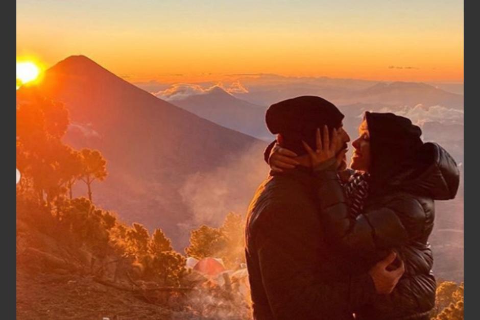Lo que un día fue una relación secreta hoy sale a la luz con esta propuesta de matrimonio. (Foto Instagram)
