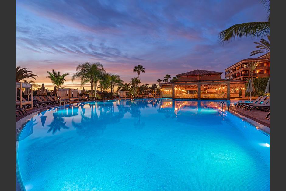 Los turistas deberán pasar un largo periodo en este hotel hasta que se descarte la presencia del virus. (Foto: H10 Hotel)