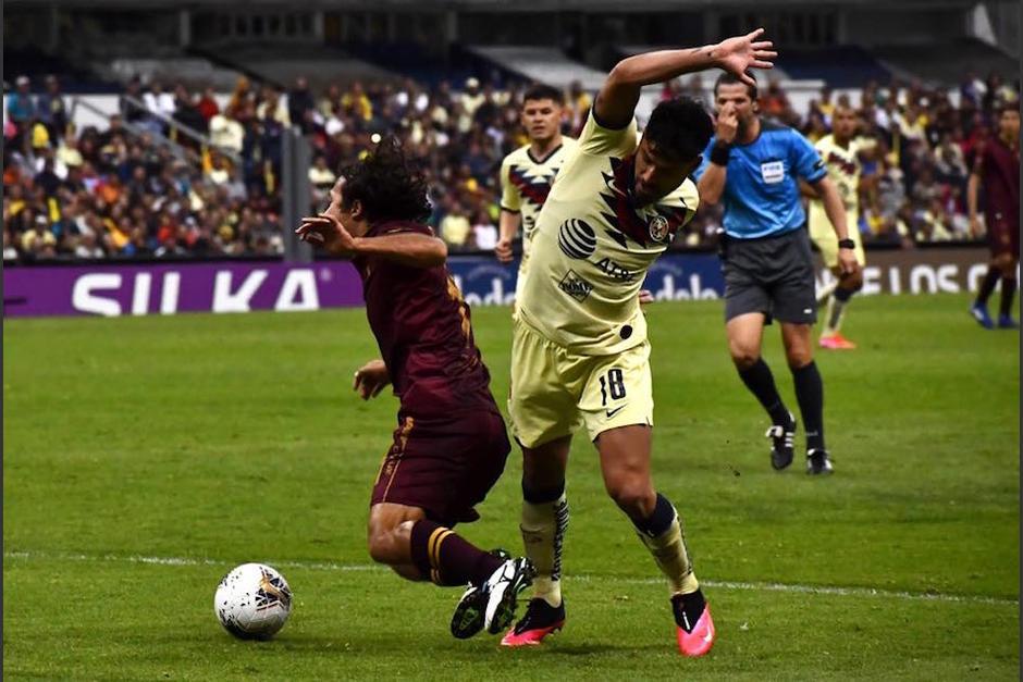Comunicaciones terminó el encuentro con 10 jugadores. (Foto: Rudy Martínez/Soy502)
