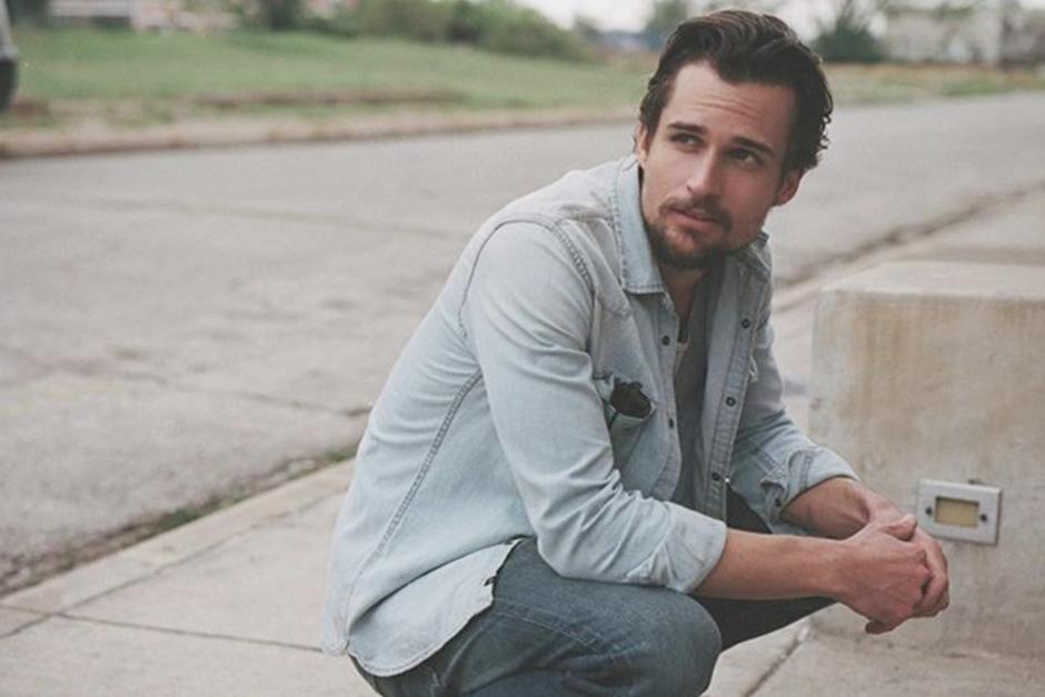 El guapo actor es hijo de Guy Ecker. (Foto: Instagram)