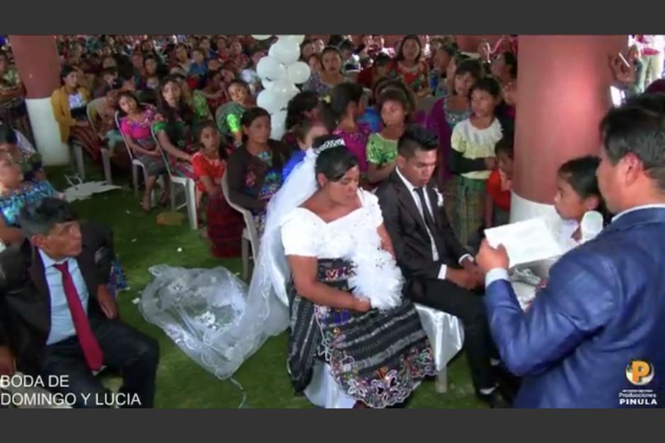 Una boda celebrada esta semana en Cunén, Quiché ha generado diversos comentarios. (Captura Video)