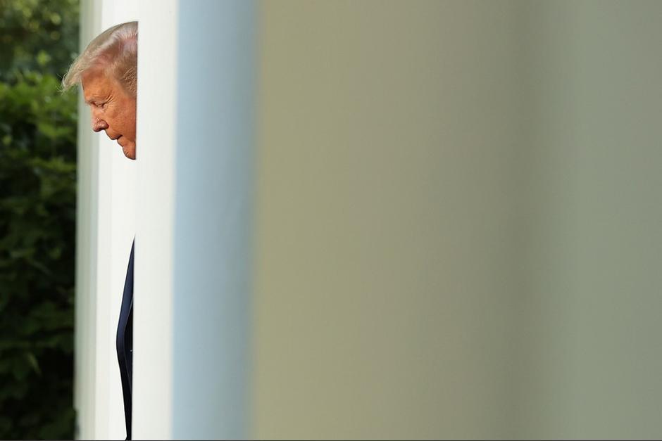 El presidente Trump se refugió alrededor de una hora en el búnker de la Casa Blanca. (Foto: AFP)
