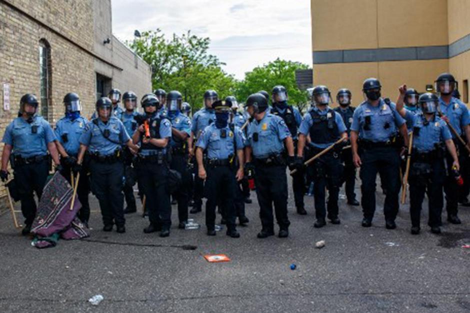 La Policía de Minneapolis será desmantelada y reestructurada