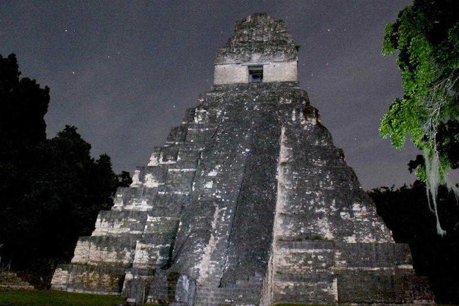 Uno de los guardaparques en Tikal realizaba una transmisión en vivo por redes sociales cuando escuchó un aullido que no pudo identificar. (Foto: Archivo/Soy502)