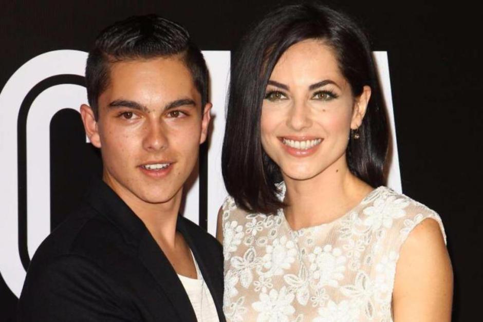 El hijo de Bárbara Mori se llama Sergio. (Foto: Telemundo)