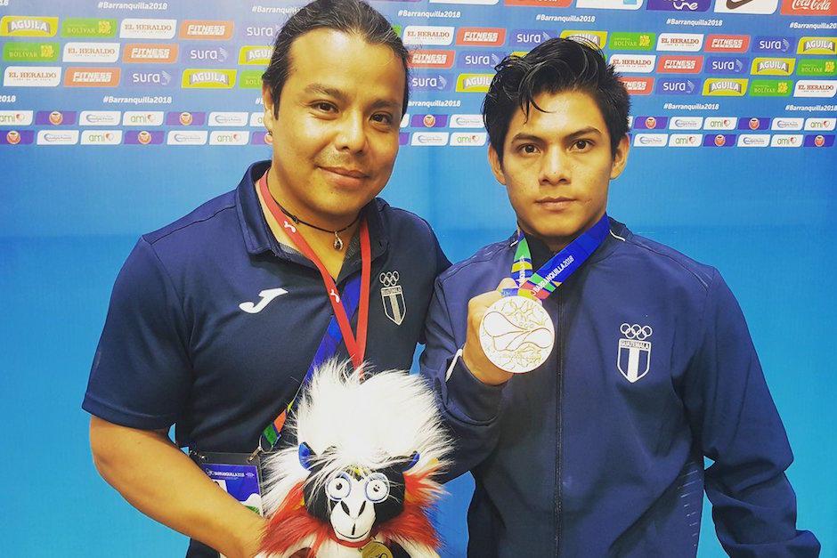 Jorge Vega y su entrenador Rodman Murga esperan llegar este jueves a Guatemala, tras una larga travesía para regresar al país. (Foto: Archivo/Soy502)