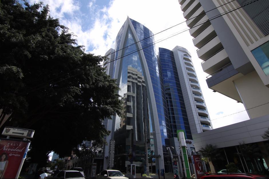 La SAT confirmó que un empleado de la institución que labora en las oficinas de Dubai Center, zona 10, resultó contagiado de Covid-19. (Foto: Archivo/Soy502)