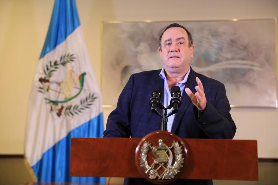 El presidente de Guatemala, Alejandro Giammattei, explicó las medidas para este viernes y fin de semana. (Foto: SCSPR)