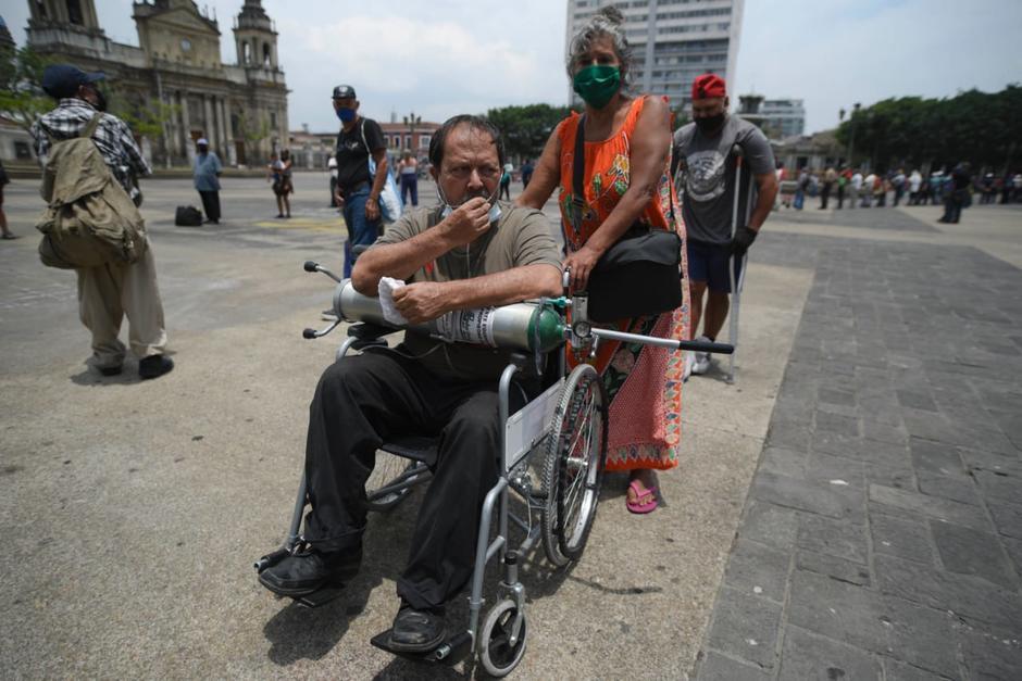 Leticia y Marco Tulio buscan una solución a sus problemas económicos y alimentarios. (Foto: Wilder López/Soy502)