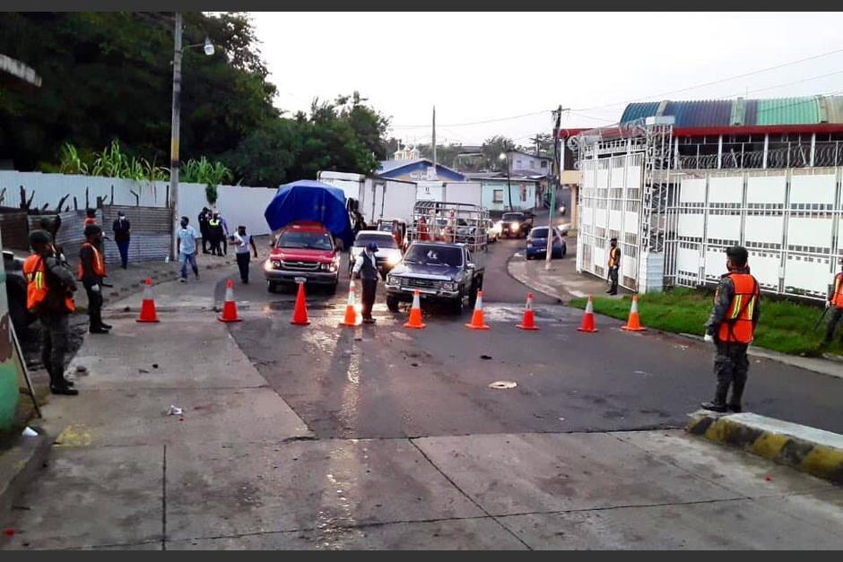El ingreso a Malacatán, San Marcos es vigilado luego de que se estableciera un cordón sanitario en el lugar. (Foto: Cortesía/Soy502)