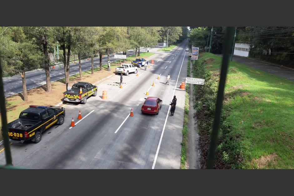 El tráfico se ha mantenido intenso a pesar del toque de queda. (Foto: PNC)