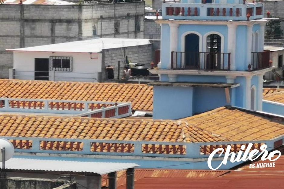 El alcalde de Ixtahuacán se refugió para no ser agredido por los pobladores. (Foto: Que Chilero es Huehue)