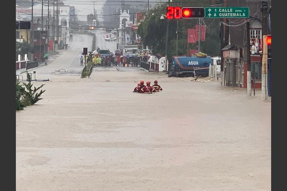 Las inundaciones afectaron gran parte de las zonas urbanas en Puerto Barrios, Izabal. (Foto: Conred)