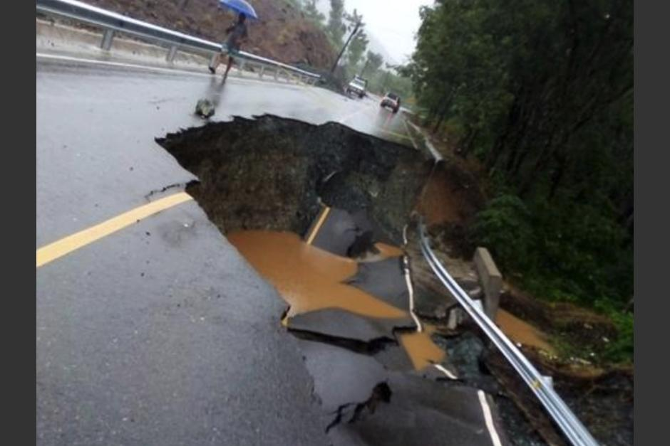 Por lo menos, 11 carreteras fueron destruidas por los derrumbes y deslizamientos provocados por la depresión tropical Eta. (Foto: Archivo/Soy502)