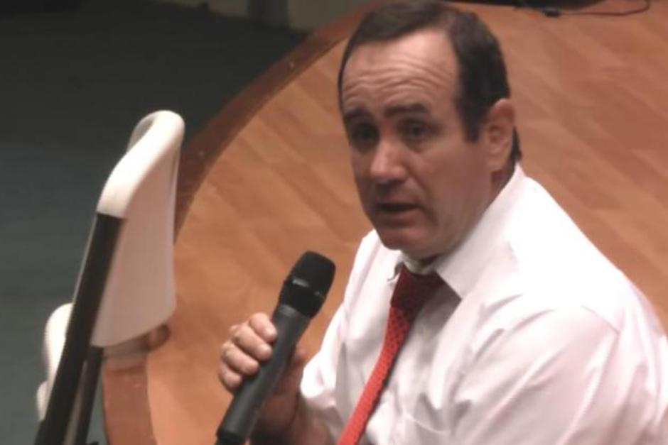 """En agosto de 2011, Alejandro Giammattei, entonces candidato presidencial por el desaparecido partido CASA, cuestionó: """"¿Dónde está el dinero?"""". (Foto: Captura de video)"""