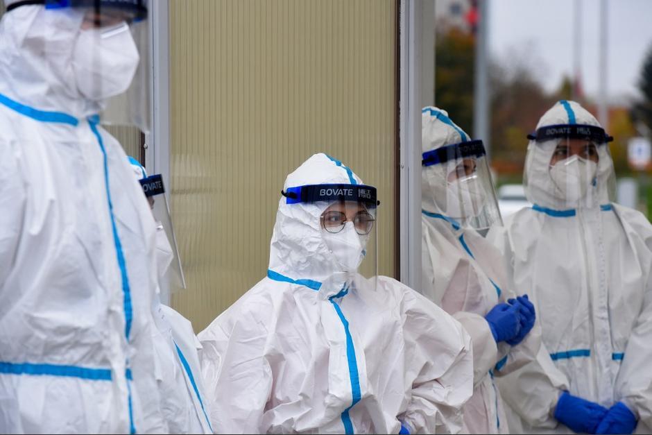 El Ministerio de Salud reportó los datos correspondientes al miércoles. (Foto: AFP)