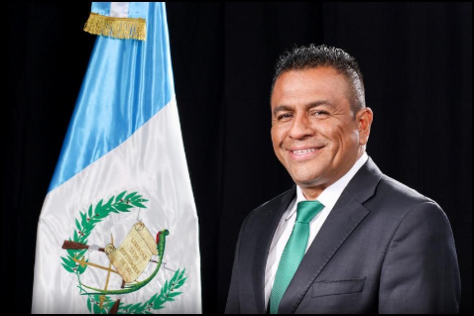 El diputado dijo en Facebook que se arrepentía de haber votado a favor del Presupuesto de la Nación. (Foto: Congreso de Guatemala)