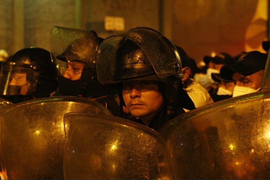 Decenas de personas han sido aprehendidas de manera arbitraria por agentes de la PNC. (Foto: Alexis Batres/Soy502)