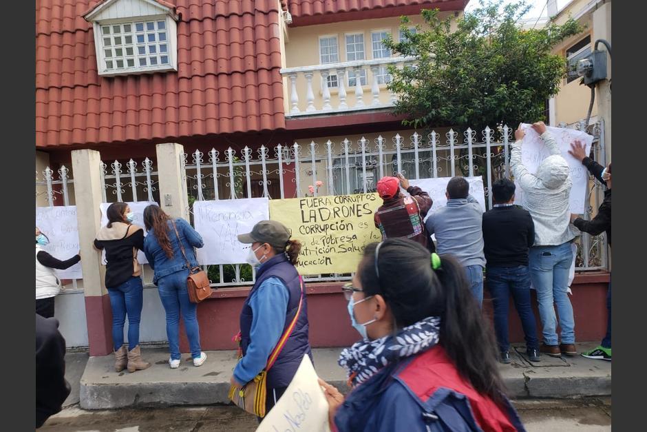 Un grupo de manifestantes llegó a las casas de los diputados de San Marcos. (Foto: Cortesía)