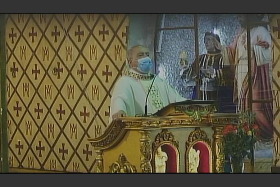 En la homilía del domingo el párroco se refirió así a los diputados. (Foto: captura pantalla)