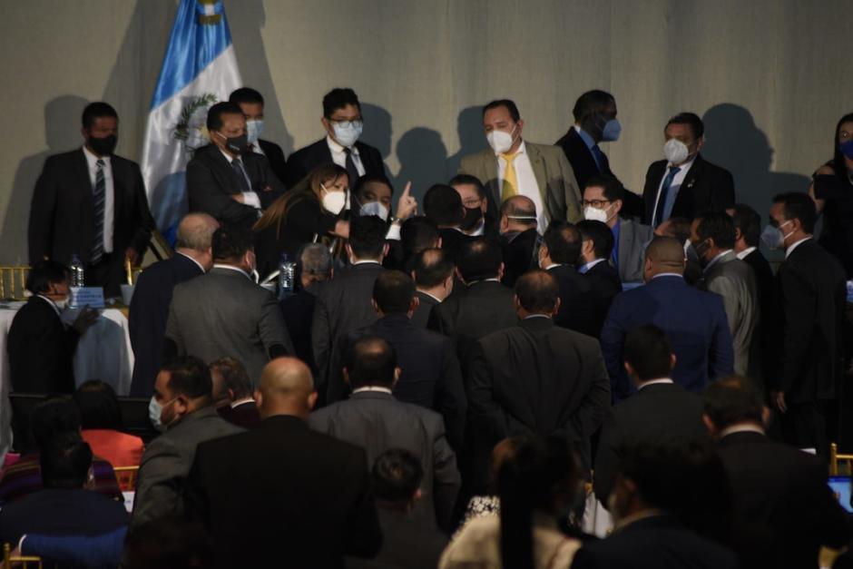 La sesión se detuvo debido a los conflictos entre los diputados. (Foto: Wilder López/Soy502)