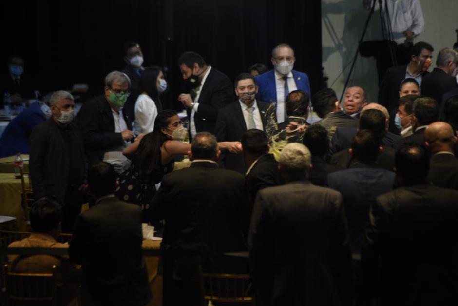 Sandoval también insultó a Taracena durante la sesión del Congreso. (Foto: Wilder López/Soy502)