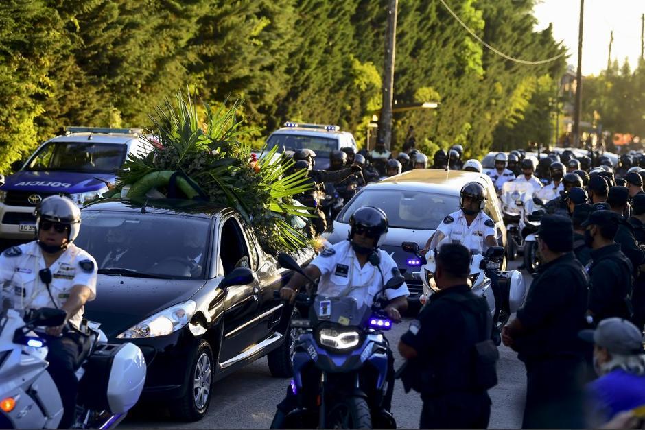 El entierro se llevó a cabo al final de la tarde de este jueves. (Foto: AFP)