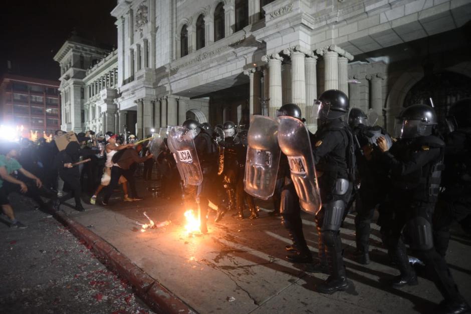El incidente se inició frente al Palacio Nacional de la Cultura. (Foto: Wilder López/Soy502)