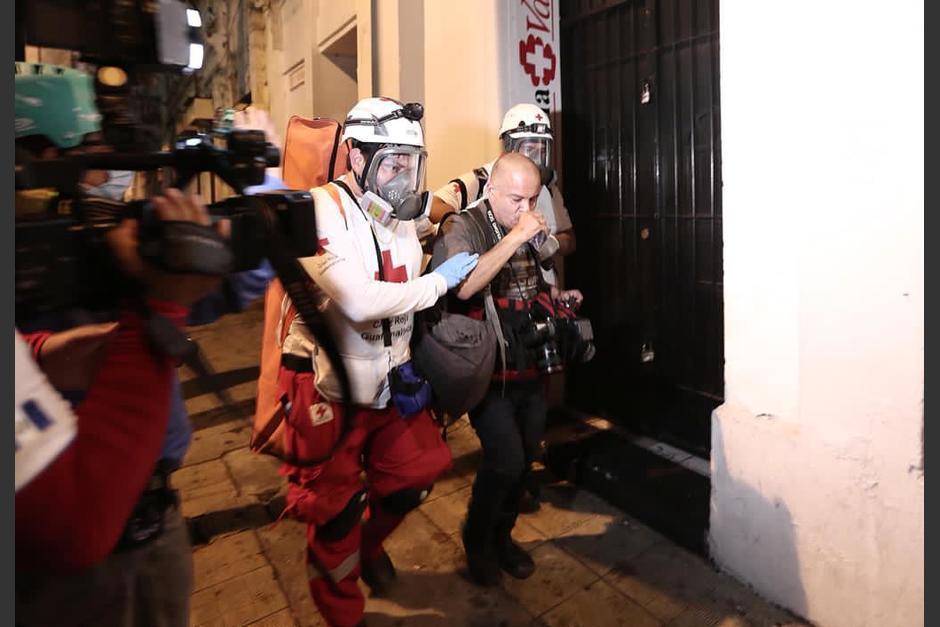 Los infiltrados en la manifestación del sábado 28 lastimaron e intimidaron a fotógrafos y periodistas de varios medios de comunicación. (Foto: Wilder López/Soy502)