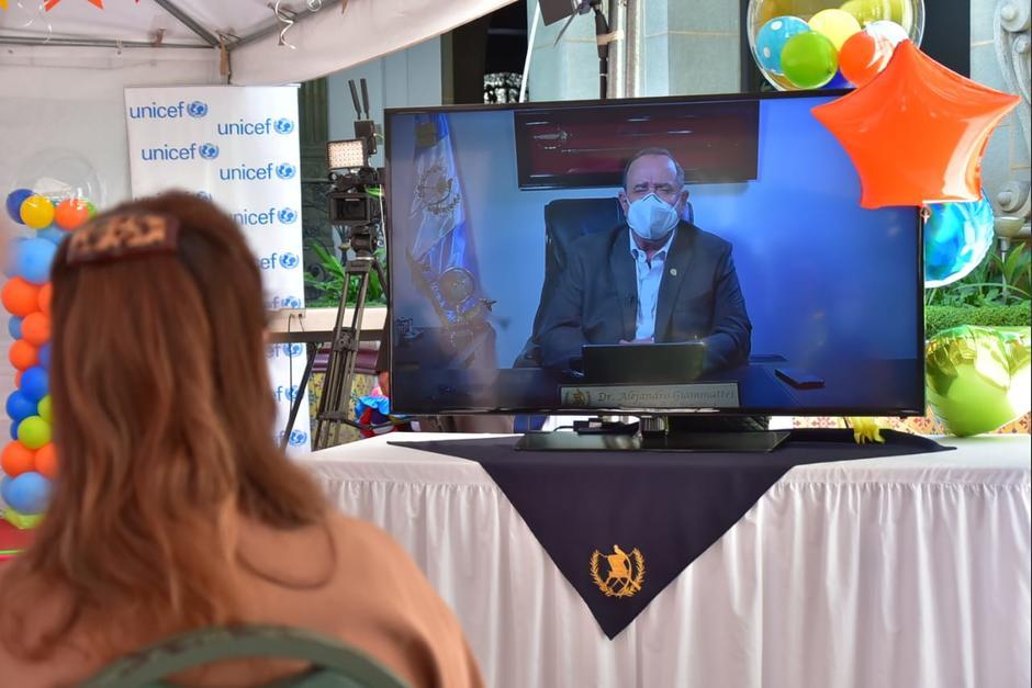 El presidente Alejandro Giammattei participó de manera virtual en la conmemoración del Día del Niño. (Foto: Presidencia)